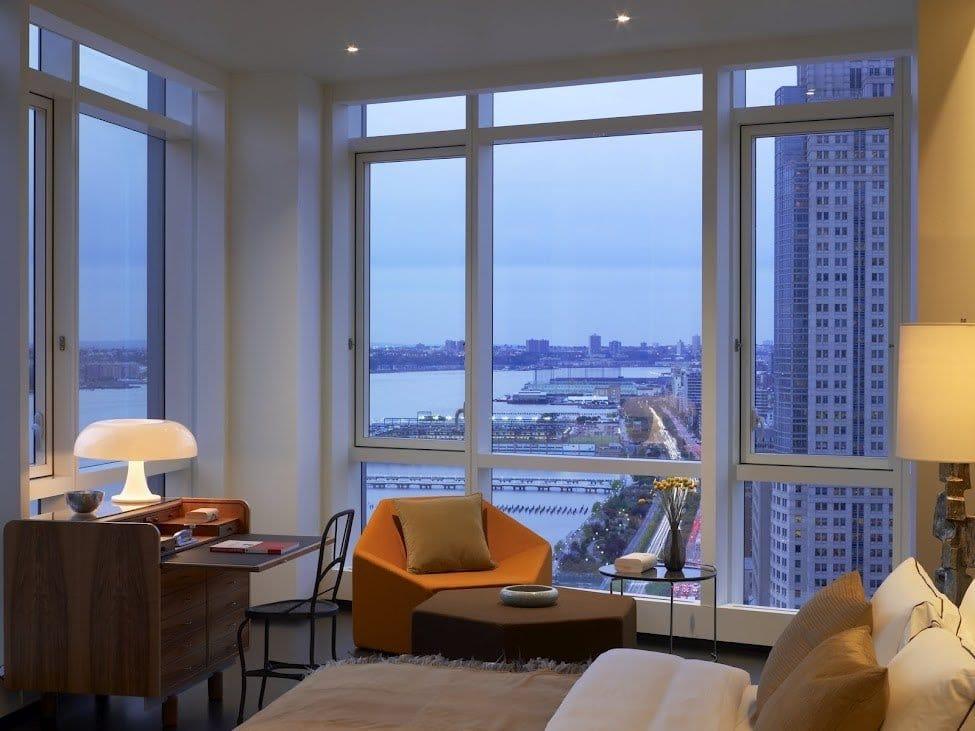 Панорамные окна в квартиру