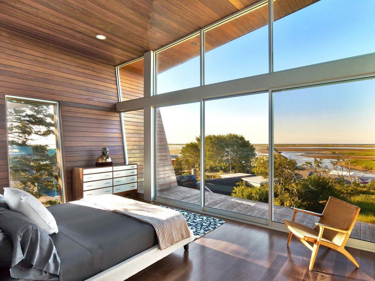Панорамные окна в загородный дом;